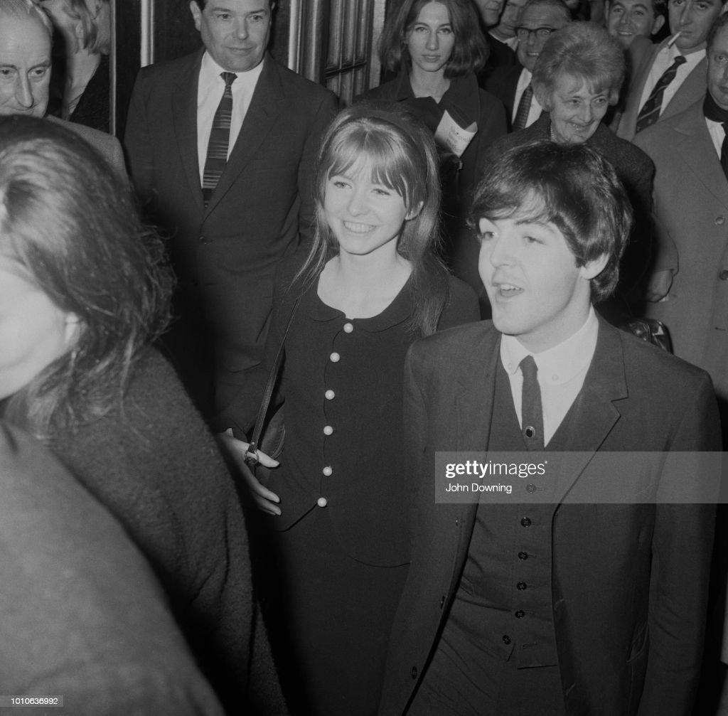 Paul McCartney And Jane Asher : News Photo
