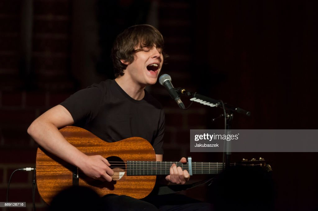 English musician, singer and songwriter Jake Bugg performs live during a concert at the Passionskirche on November 1, 2017 in Berlin, Germany.