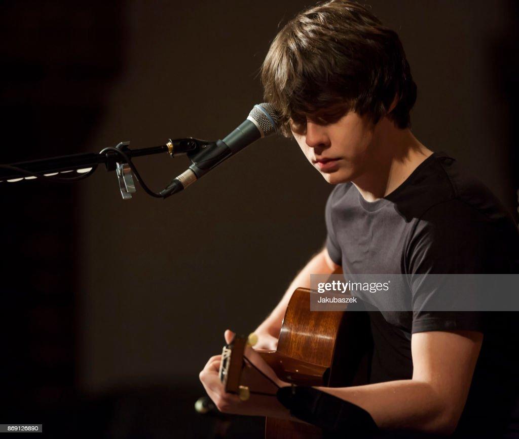 Jake Bugg Performs In Berlin : Nachrichtenfoto