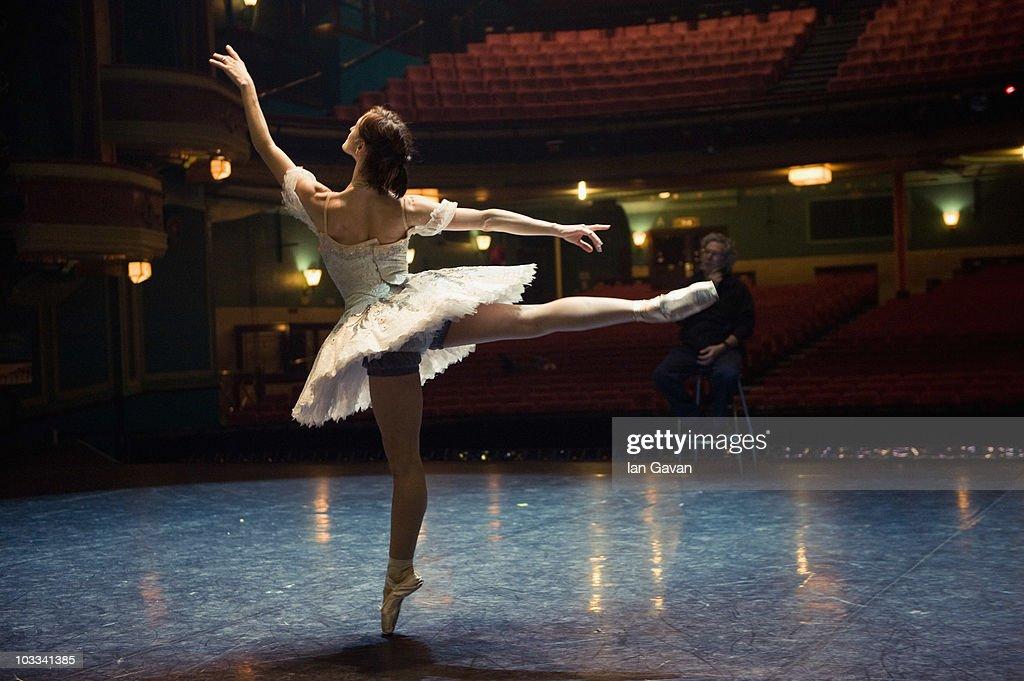 Cinderella - Performances at The Mayflower Theatre. Southampton : News Photo
