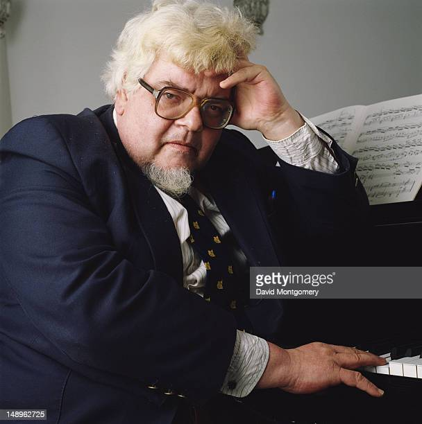 English pianist and composer John Ogdon circa 1985