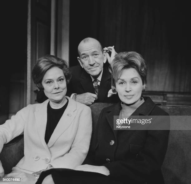 English playwright and actor Noël Coward with actresses Irene Worth and Lilli Palmer at a press reception for his play 'A Song at Twilight' at the...