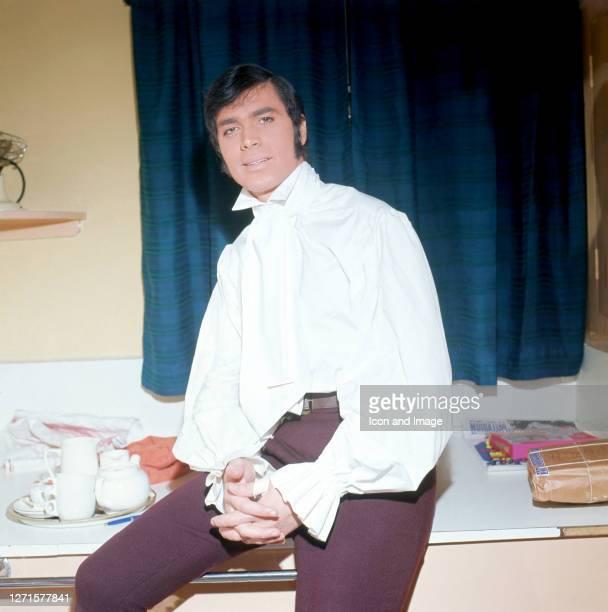 English pop singer Engelbert Humperdinck performs as Robinson Crusoe at the London Palladium, in London, England, December 20, 1967.