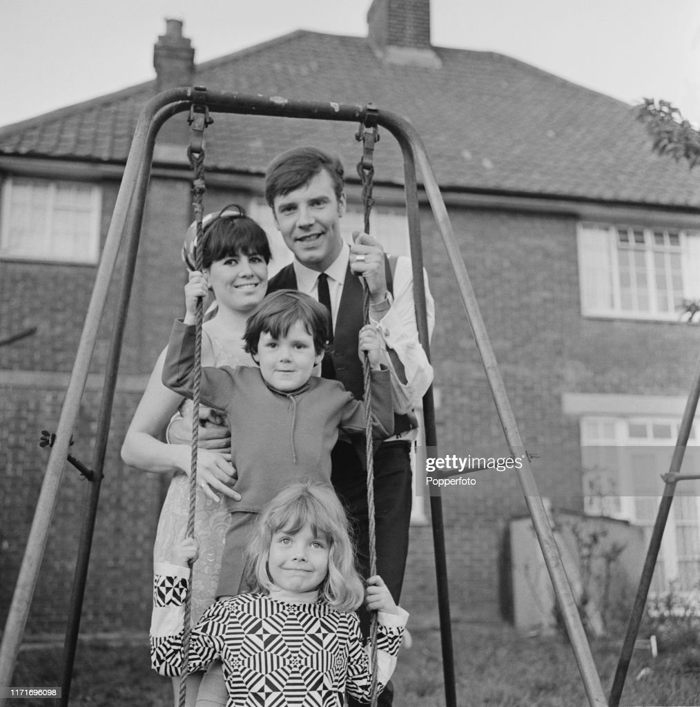 Marty Wilde And Family : News Photo