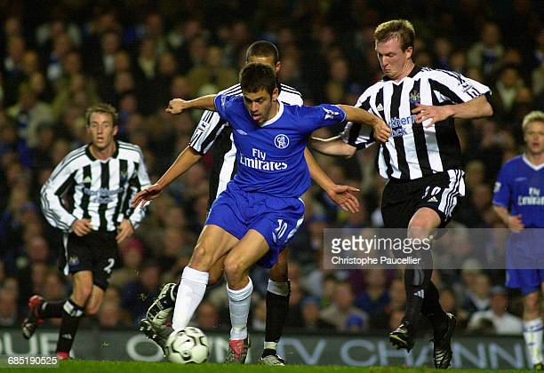 English Premiership Soccer Chelsea vs Newcastle United Joe Cole Steve Caldwell and Jermaine Jenas Championnat d'Angleterre Saison 20032004 Chelsea...