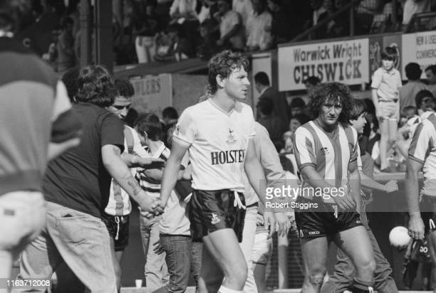 English professional footballer Clive Allen of Tottenham Hotspur FC leaving the field after a friendly match against Brentford FC, UK, 11th August...