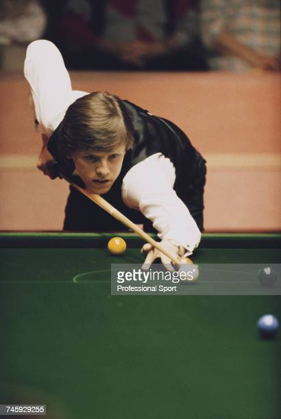 English professional snooker player Neal Foulds pictured in action during competition to lose to Wayne Jones in the first round of the 1989 Embassy...