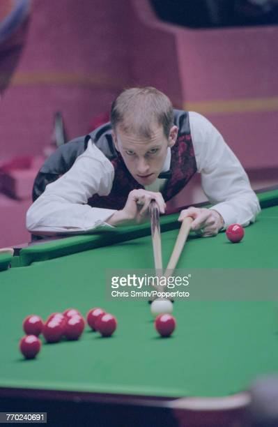 English professional snooker player Peter Ebdon pictured in action during competition against fellow English snooker player Ronnie O'Sullivan in the...