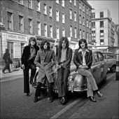 Photo of led zeppelin posed on a jaguar car in london in december picture id84850968?s=170x170