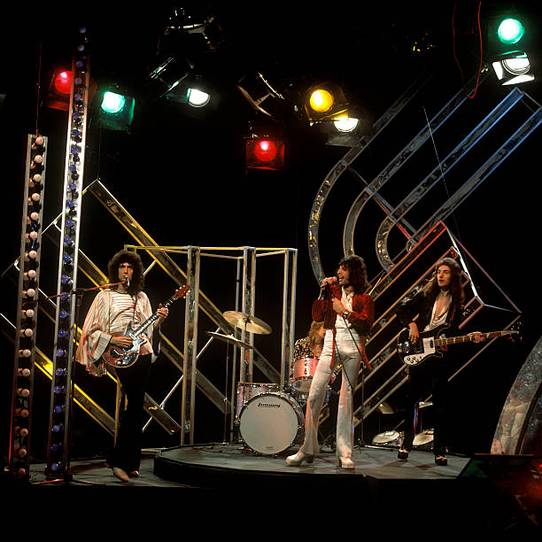 Photo of QUEEN  and Freddie MERCURY and John DEACON and Roger TAYLOR and Brian MAY