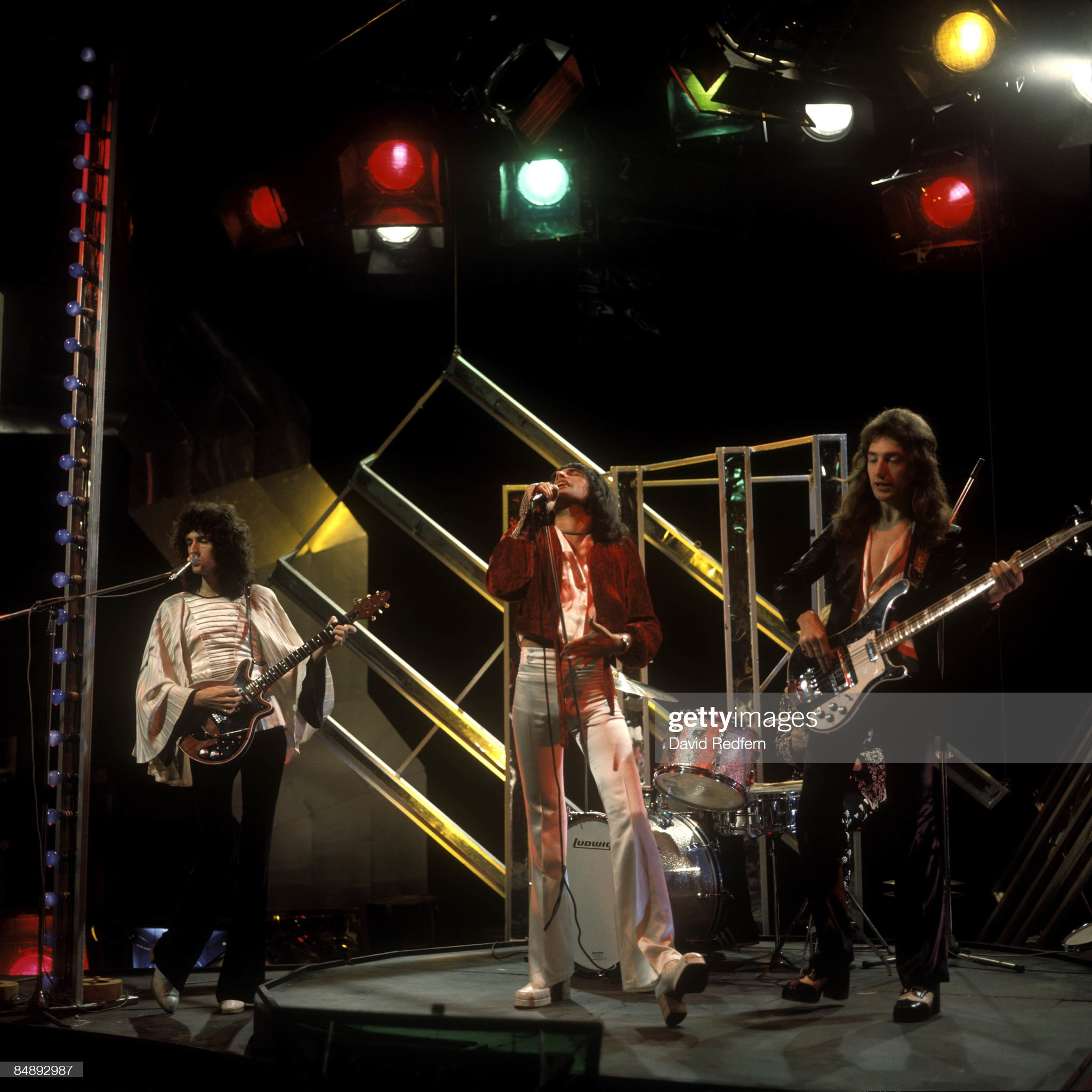 https://media.gettyimages.com/photos/english-rock-group-queen-perform-their-new-single-killer-queen-on-the-picture-id84892987?s=2048x2048