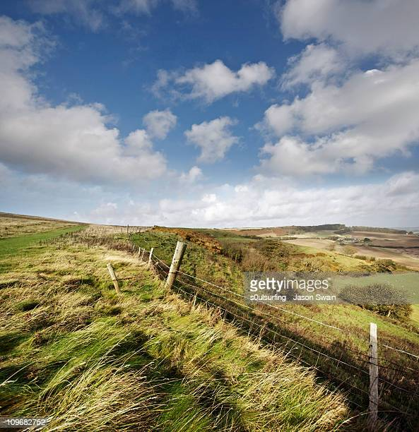 english rural landscape - s0ulsurfing imagens e fotografias de stock