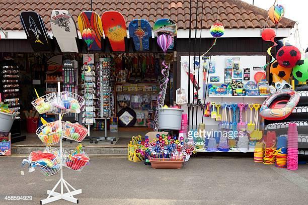 english seaside beach toy kiosk - isle of wight bildbanksfoton och bilder