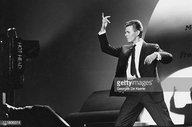 English singer and actor David Bowie films a scene for the film 'Absolute Beginners', directed by Julien Temple, UK, May 1985.