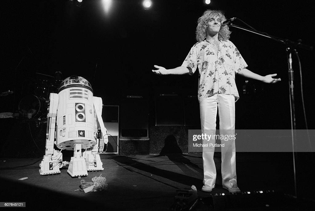 Frampton Meets R2-D2 : News Photo