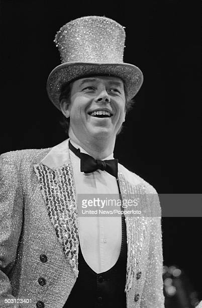 English singer and pianist Peter Skellern performs songs from the album 'Who Plays Wins' in London on 25th September 1985.