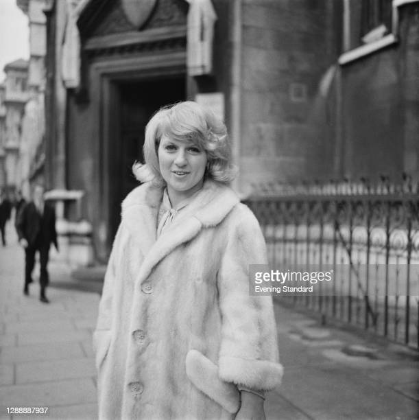 English singer and songwriter Jackie Trent outside the Royal Courts in Justice in London, UK, 6th May 1967.