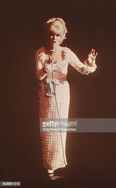 English singer Dusty Springfield performs in concert in November 1968