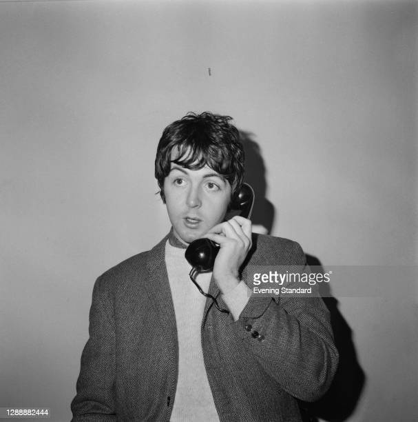 English singer, songwriter and musician Paul McCartney of the Beatles, UK, 27th December 1967.