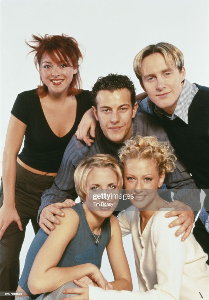 English singers Claire Richards, Faye Tozer, Ian 'H' Watkins, Lee Latchford-Evans and Lisa Scott-Lee of the pop group Steps, circa 1998.