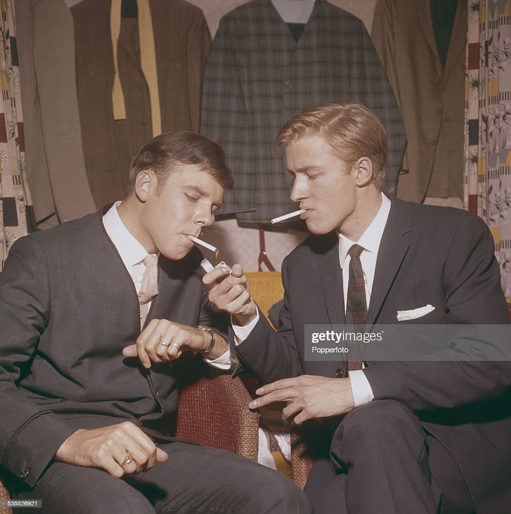 Marty Wilde And Mike Sarne Backstage : News Photo