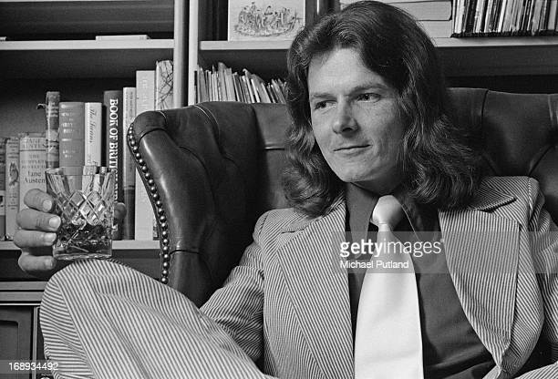 English singersongwriter and guitarist Dave Cartwright 18th April 1973