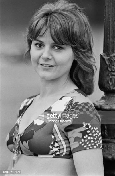 English singer-songwriter Friday Brown, UK, 29th June 1972.