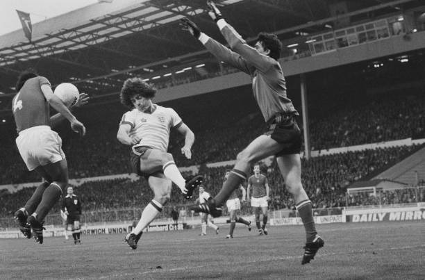 English soccer player Kevin Keegan, Hungarian soccer player Jozsef Toth and Hungarian goalkeeper Sandor Gujdar in action during England vs Hungary...