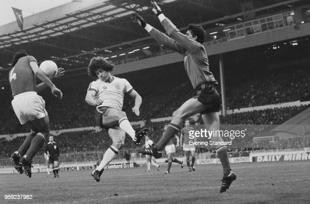 English soccer player Kevin Keegan Hungarian soccer player Jozsef Toth and Hungarian goalkeeper Sandor Gujdar in action during England vs Hungary...
