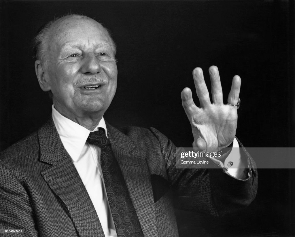 English stage and screen actor Sir John Gielgud (1904 - 2000), 1985.