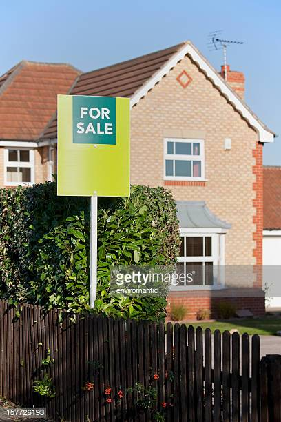 English suburban Haus zum Verkauf.