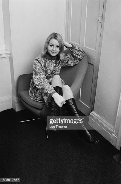 English television and stage actress Liza Goddard 1969