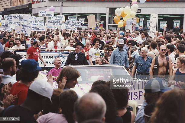 English writer and raconteur Quentin Crisp at the Gay Pride parade in New York City, USA, June 1982.