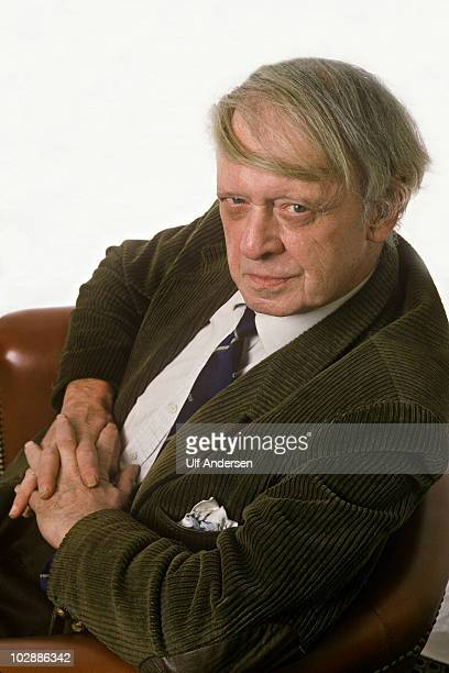 PARIS FRANCE JANUARY 24 English writer Anthony Burgess poses during a portrait session held on January 24 1983 in Paris France