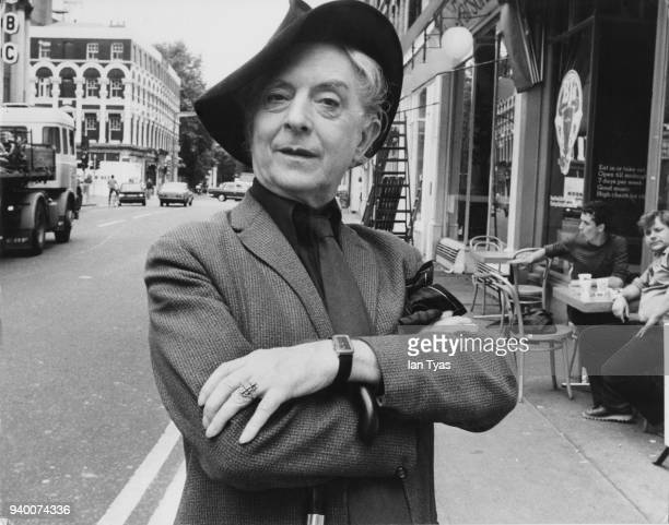English writer Quentin Crisp , born Denis Pratt, near his flat in Chelsea, London, 14th August 1981.