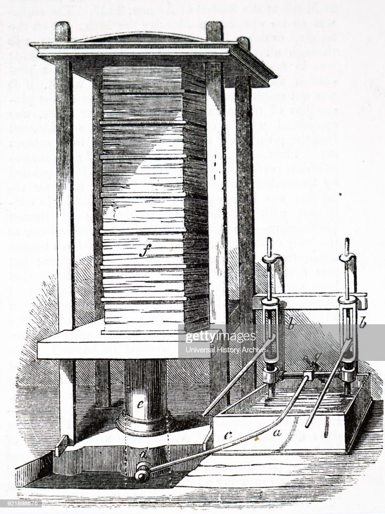 Engraving depicting the compression of printed sheets in a hydraulic press prior to binding. Dated 19th century.