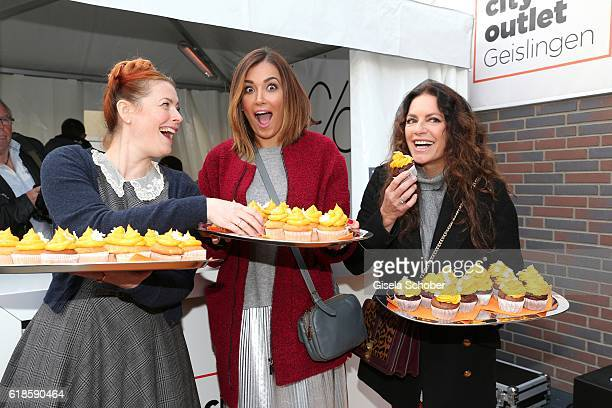 Enie van de Meiklokjes Jana Ina Zarella and Christine Neubauer during the opening of the City Outlet Geislingen on October 27 2016 in Geislingen...
