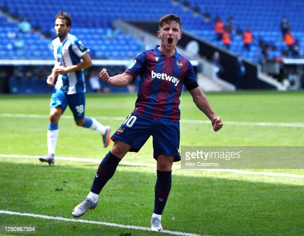 Enis Bardhi of Levante UD celebrates after scoring his team's second goal during the Liga match between RCD Espanyol and Levante UD at RCDE Stadium...