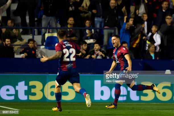 Enis Bardhi of Levante UD celebrates after scoring his team's third goal during the La Liga match between Levante UD and FC Barcelona at Estadi...