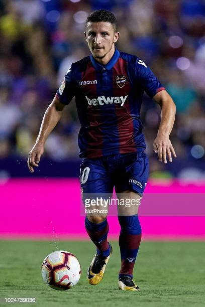 Enis Bardhi of Levante UD runs with the ball during the La Liga match between Levante and Celta de Vigo at Ciutat de Valencia on August 27 2018 in...