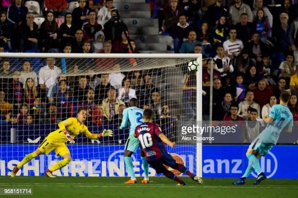 Enis Bardhi of Levante UD scores his team's third goal during the La Liga match between Levante UD and FC Barcelona at Estadi Ciutat de Valencia on...