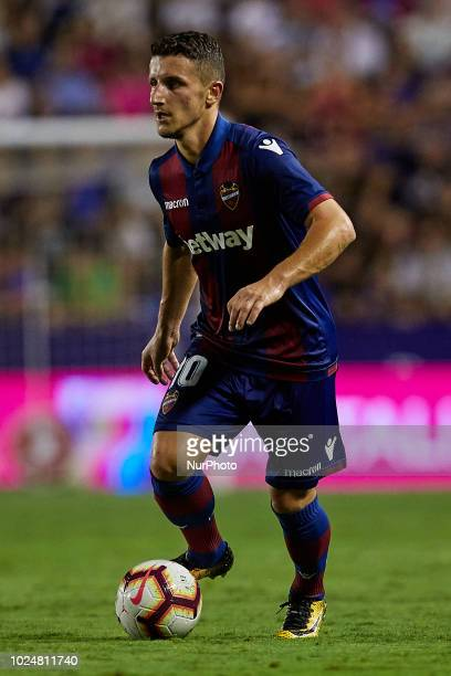 Enis Bardhi of Levante UD with the ball during the La Liga match between Levante and Celta de Vigo at Ciutat de Valencia on August 27 2018 in...