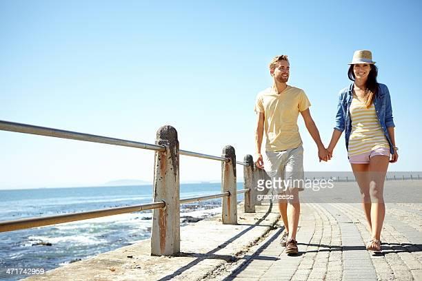 Genießen Sie einen Spaziergang am Meer