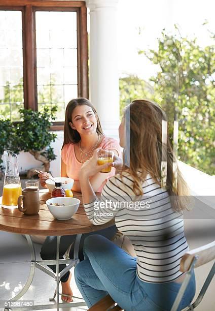 Genießen Sie Frühstück mit einem guten Freund