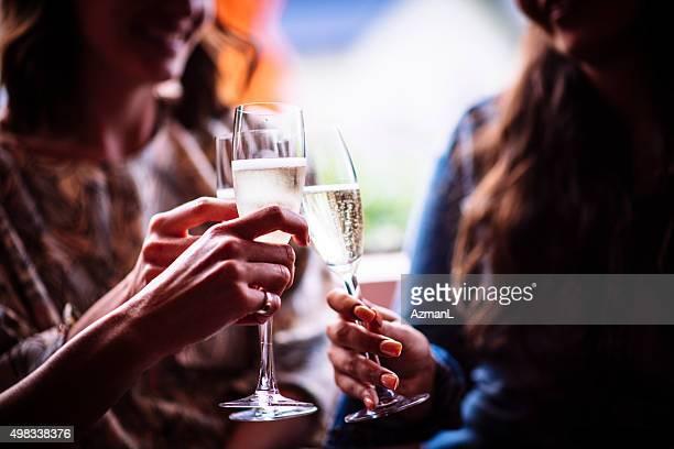 Profiter du champagne et de la bonne compagnie