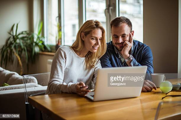 enjoying internet time - looking stock pictures, royalty-free photos & images