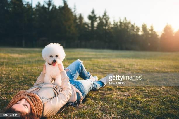 私の犬と一緒に夕日を楽しむ