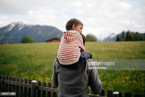 enjoying the countryside - carrying on shoulders stock pictures, royalty-free photos & images