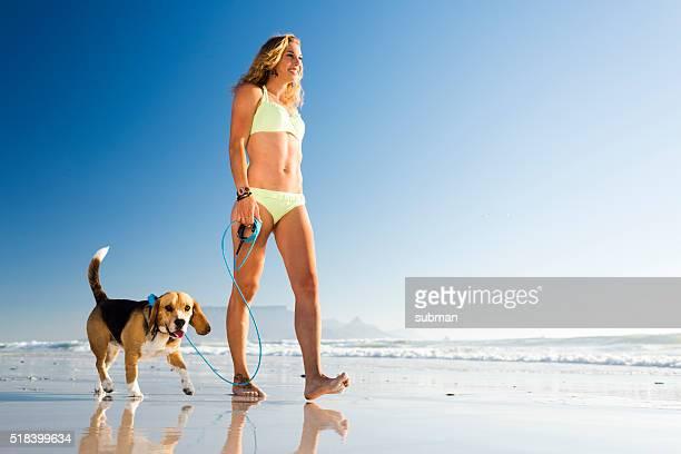 Profitez de la journée sur la plage avec mon chien