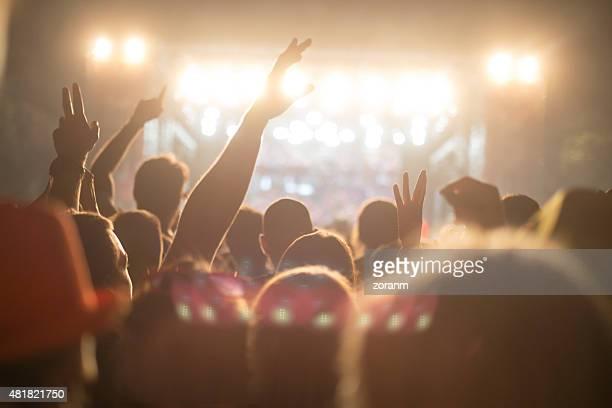 音楽フェスティバルをお楽しみいただけます。 - ラジオdj ストックフォトと画像